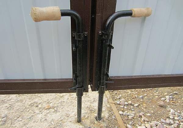 Защелка на калитку своими руками: из профнастила, фото, как сделать для ворот двухстороннюю, видео