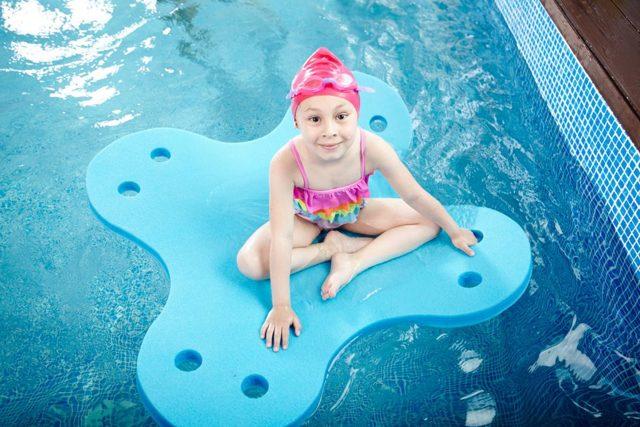 Глубина бассейна для прыжков в воду: какая его ширина и длина для детей и взрослых