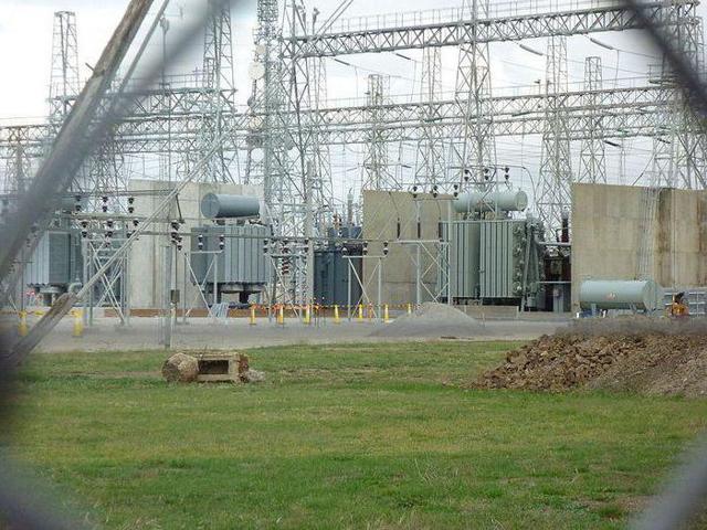 Охранная зона ЛЭП: 10 кВ, 110кВ, 0,4 кВ, 35 кВ, 6 кВ, сколько метров в каждую сторону, строительство в рекреационной местности